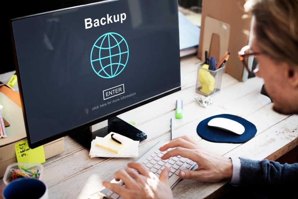 borrar backup linux